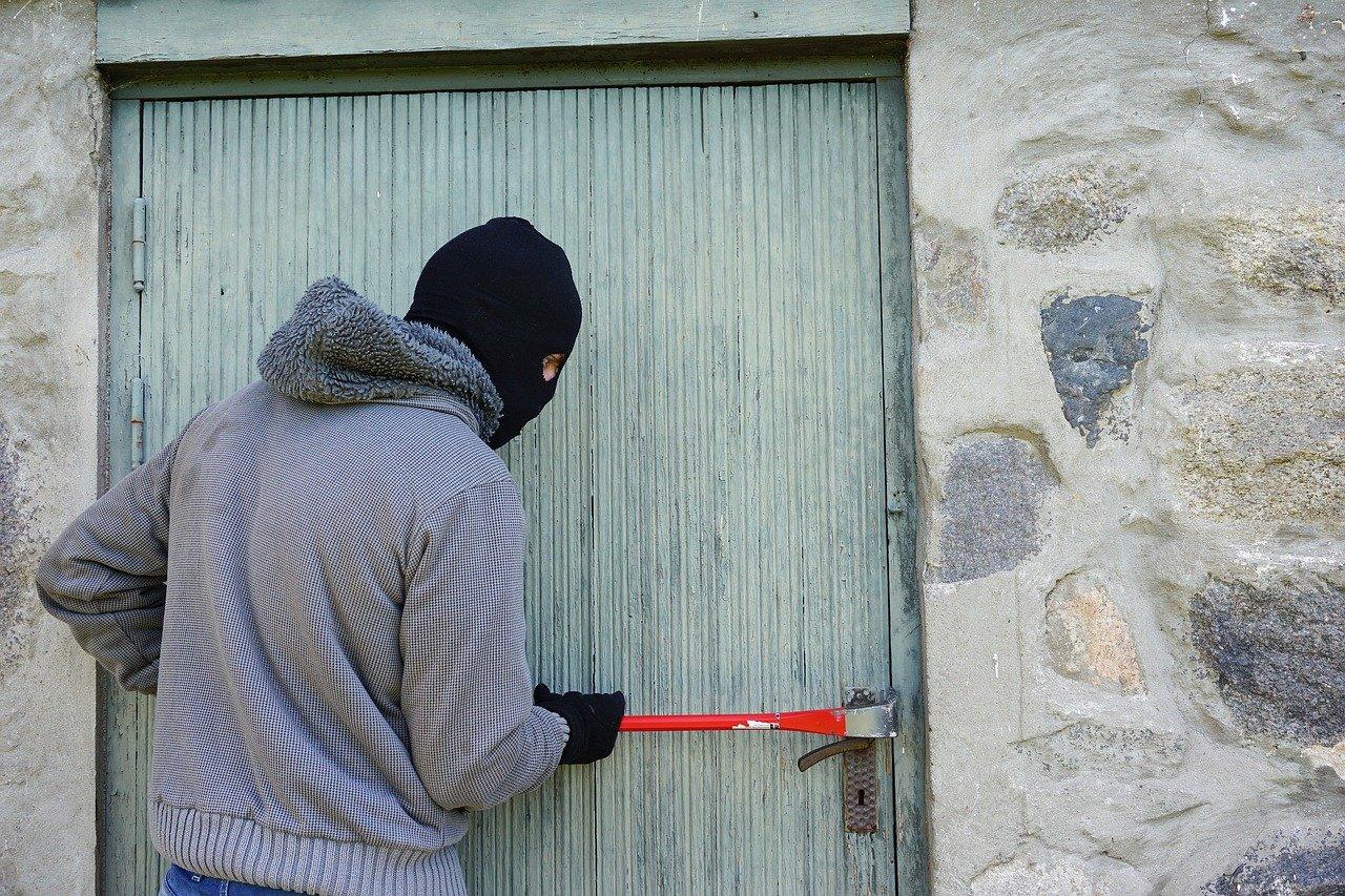 Объект культурного наследия разрушают вандалы в Нижегородской области