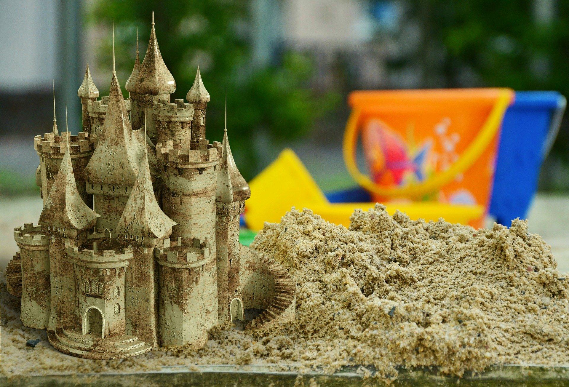 В Белгородских селах  строят детские площадки за полмиллиона рублей