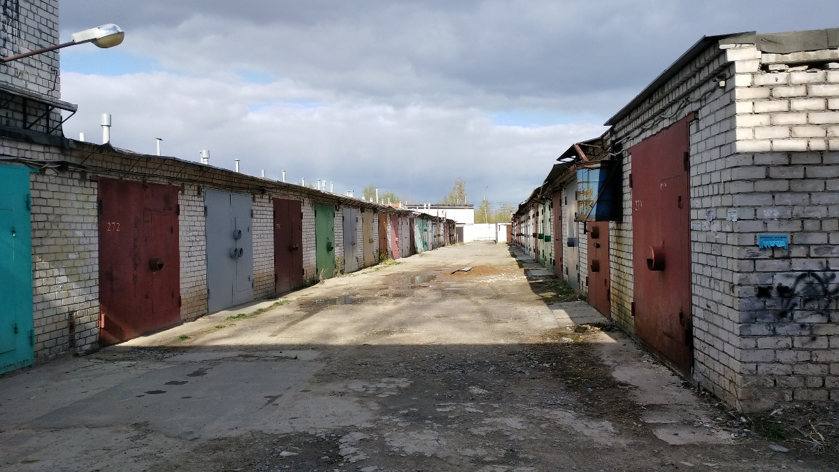 Россияне смогут в упрощенном порядке зарегистрировать свои гаражи